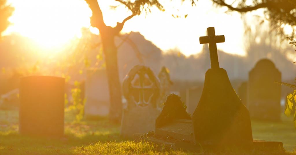 Wat Zijn De Begrafeniskosten En Manieren Precies In Engeland, Liggen Deze Uitvaartkosten Hoger Dan In Nederland?